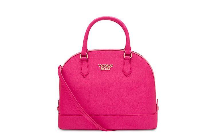 20cd10ddea6ee Conoce la nueva colección de bolsos de Victoria s Secret inspirada en el  vino. Son un