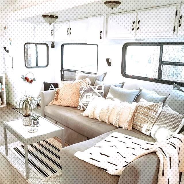 77 Full Time RV Living Families You Should Follow on Instagram: D E V ♡ K I R S