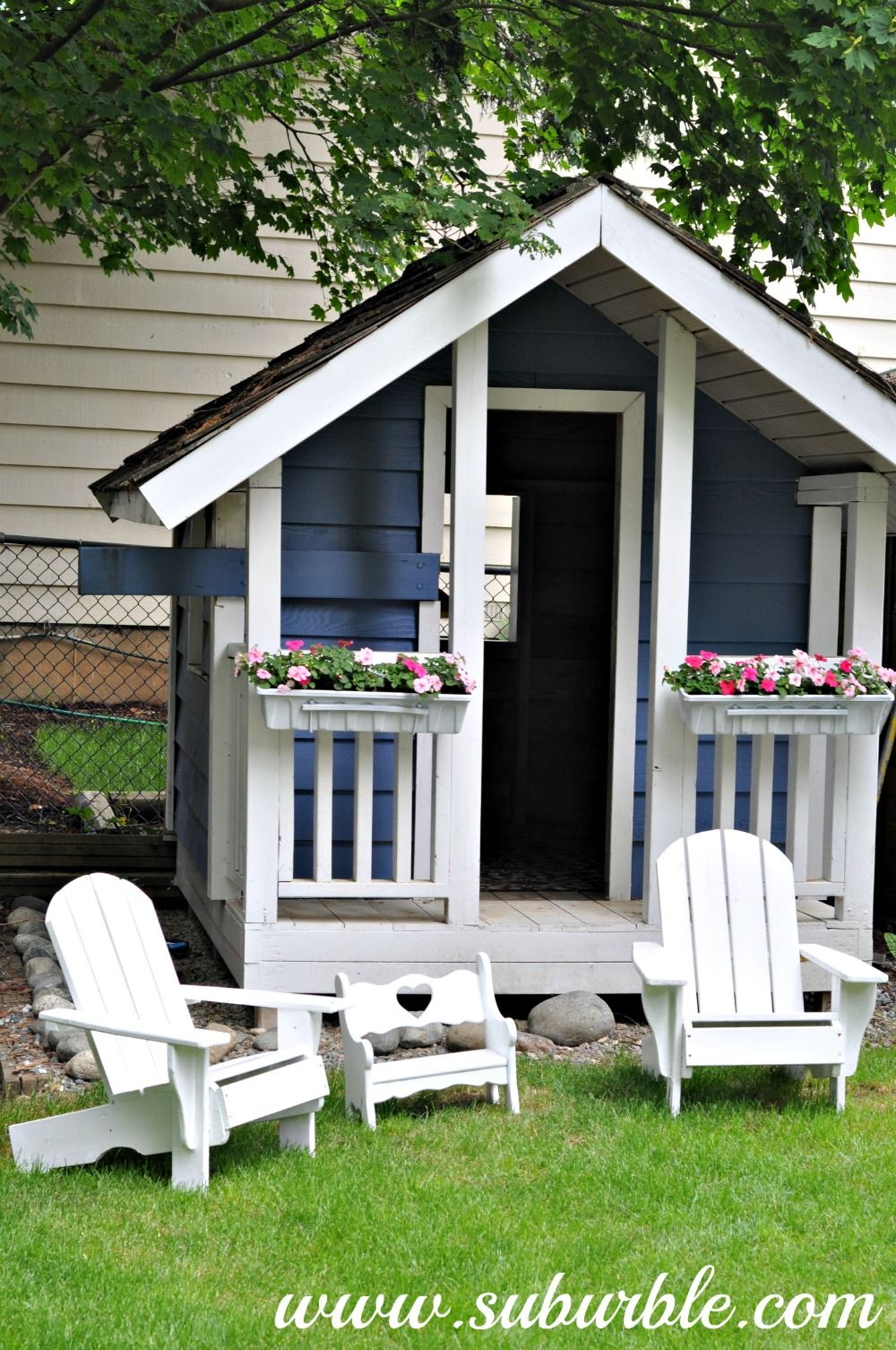 25 amazing outdoor playhouse ideas to keep your kids occupied diy rh pinterest com