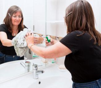Čistiace prostriedky sú jednou z položiek nevyhnutných pre chod domácnosti, no nie vždy nás poteší koľko peňazí na ne musíme minúť