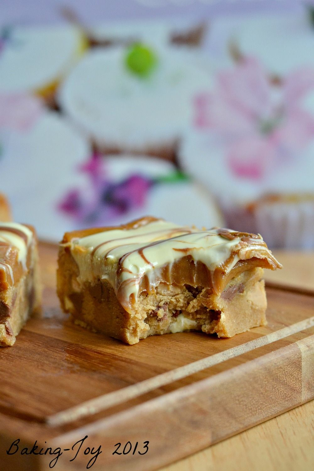 Peanut Butter and Caramel Cookie Bars