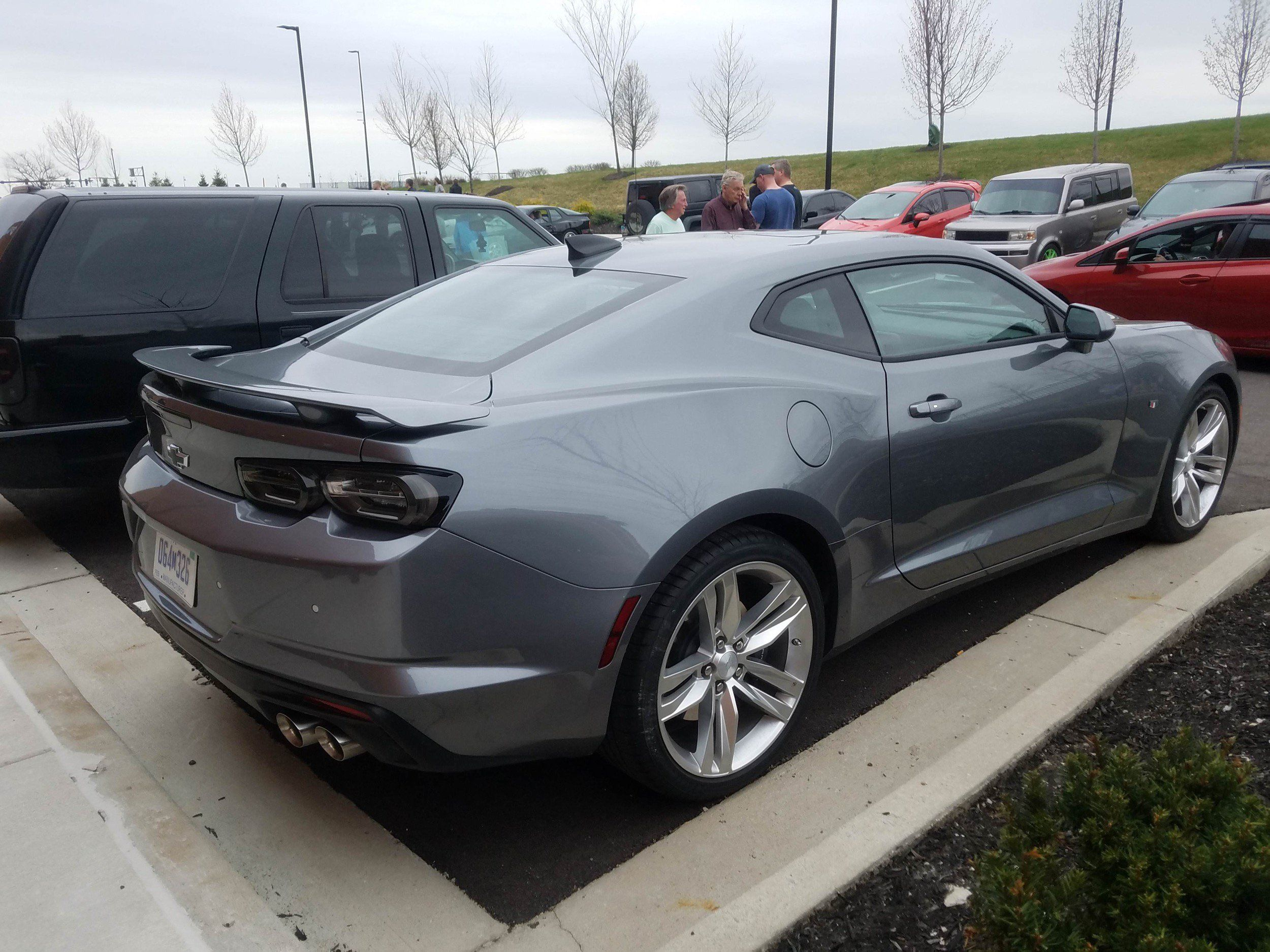 here s exactly what s new for the 2019 camaro gm authority 2019 rh pinterest ca