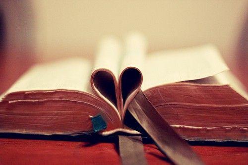 leaca - #fpoe #etsy #photography  #book #heart