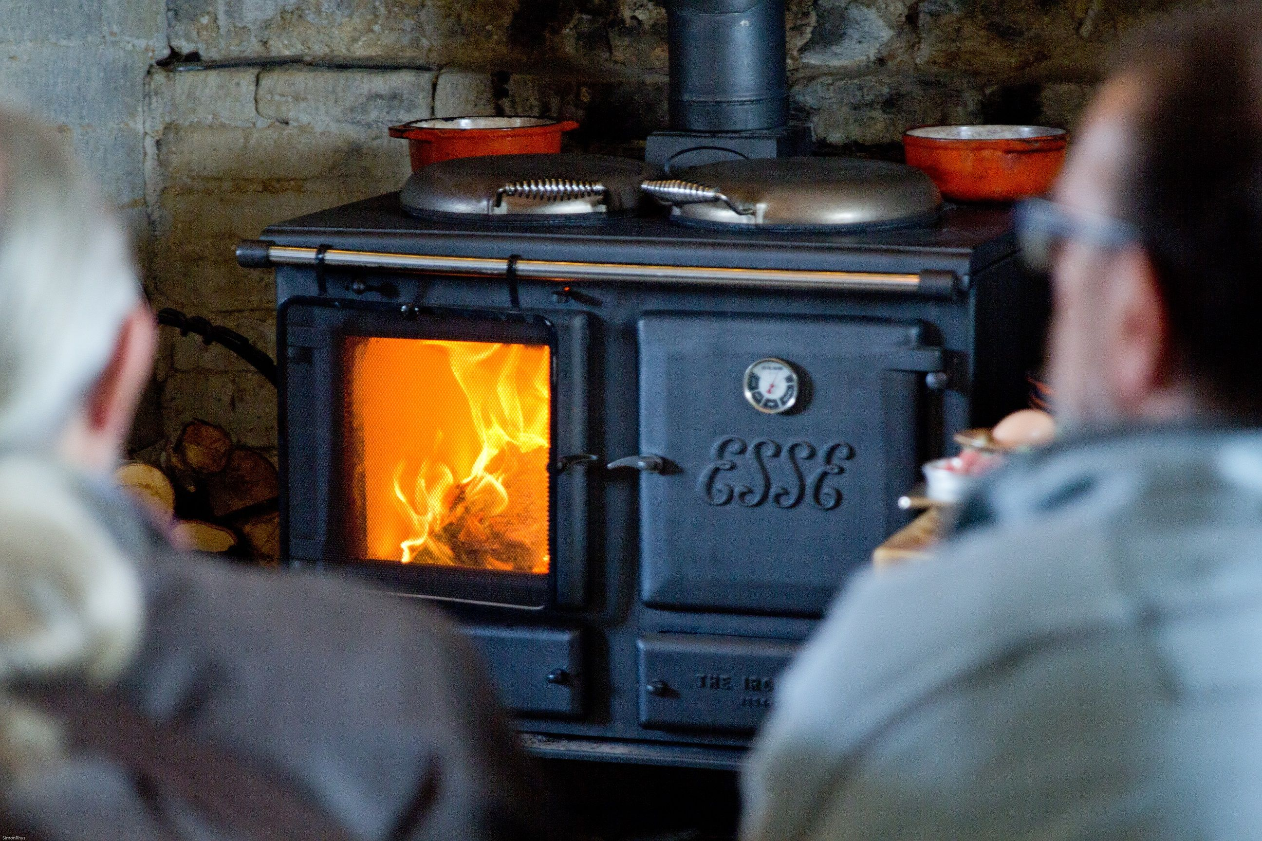 the ironheart multifuel cooker warms the room too fire cooking