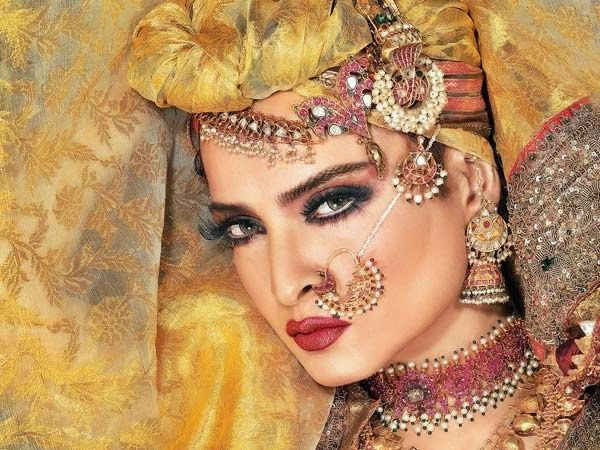 Image result for rekha wears head scarf,nari