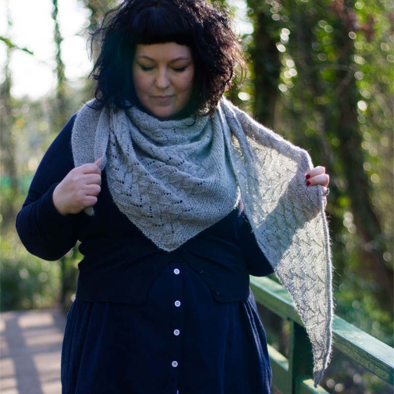 e4232b293 Essie Shawl - textured lace shawl knitting pattern download - Laughing Hens