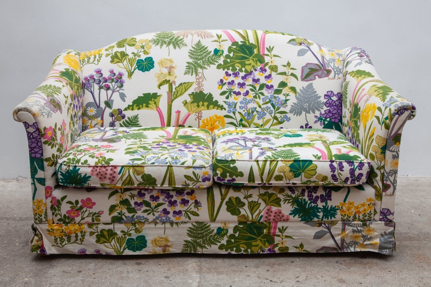 For Sale Vintage Floral Print Sofa With Fabric By Gocken Jobs 1969 Floral Sofa Printed Sofa Fabric Sofa