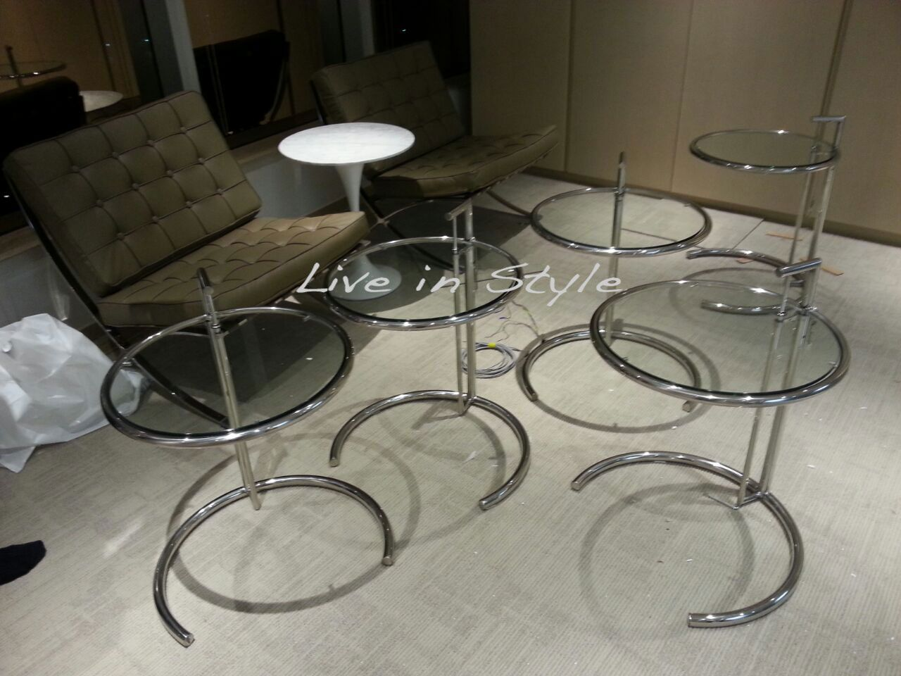Tulip Style Dining Table