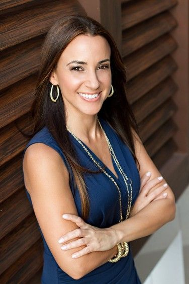 Real Estate Headshots Google Search Headshots Women Headshot Poses Business Portraits Woman