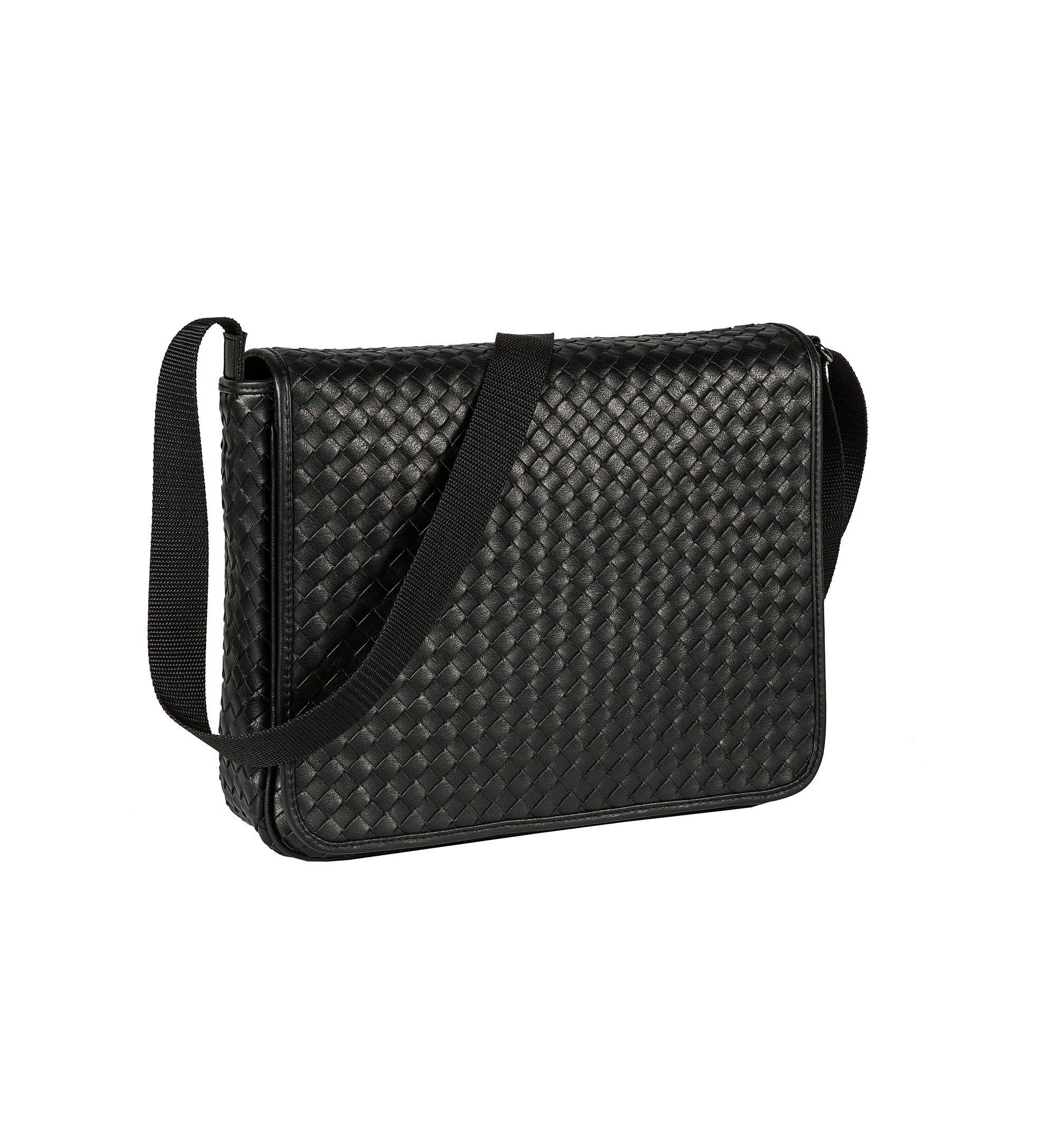 Handcrafted shoulder bag by Eckerle http://www.eckerle.de/accessoires/taschen/
