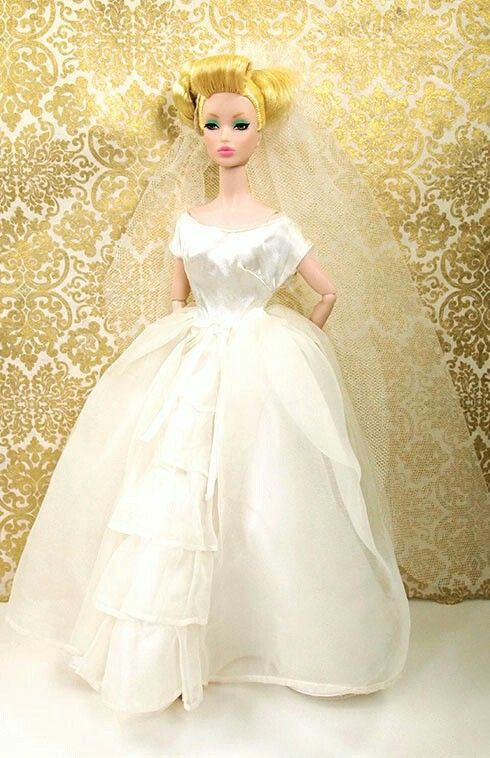 Brides-Dream-Wedding-Dress-1963-Set4.jpg?v=1426521463