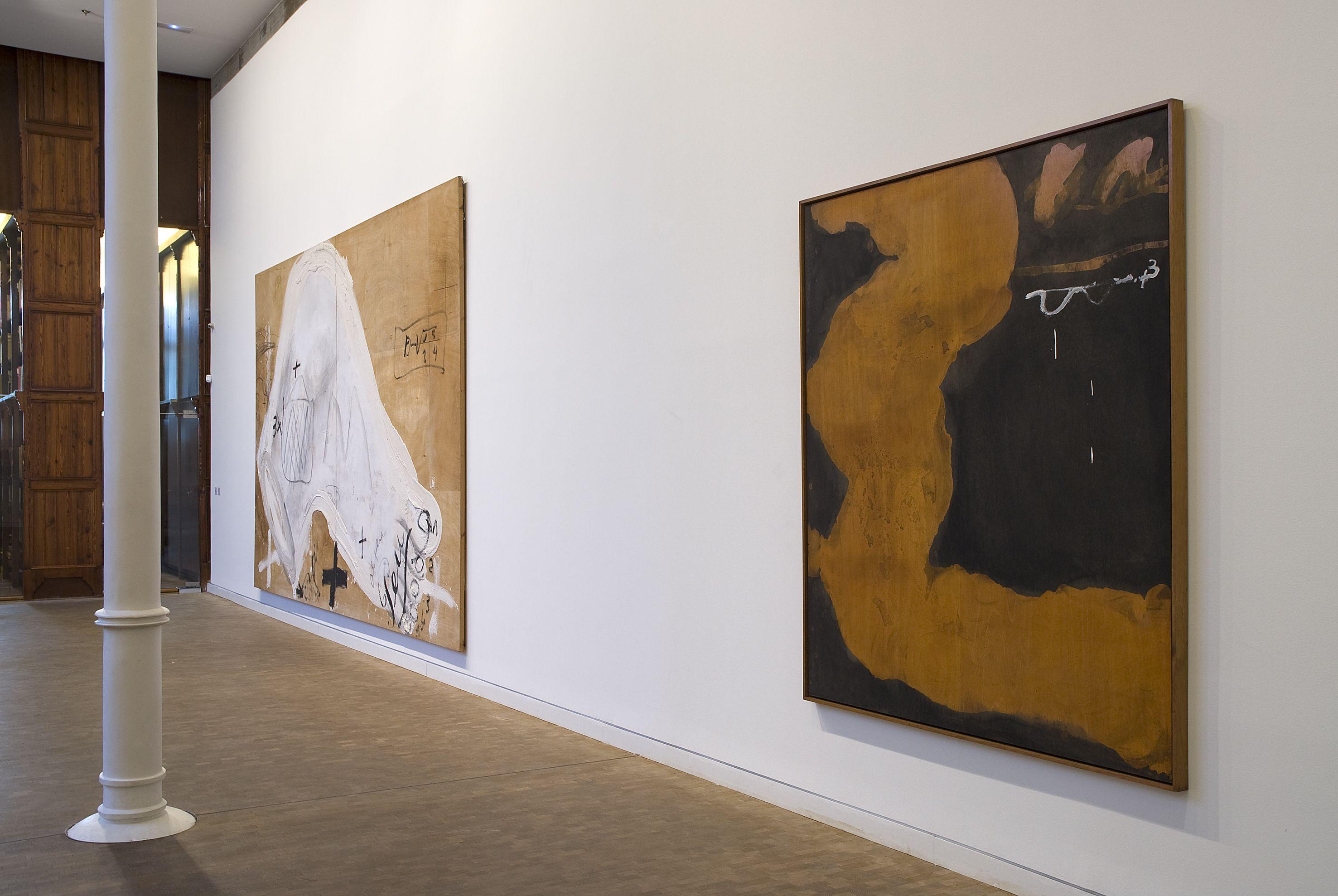 Antoni Tàpies. Col·lecció, # 5. 1 març– 9 juny 2013 Fotografia: Lluís Bover. © Fundació Antoni Tàpies. Publicat amb la llicència CC BY-NC-SA