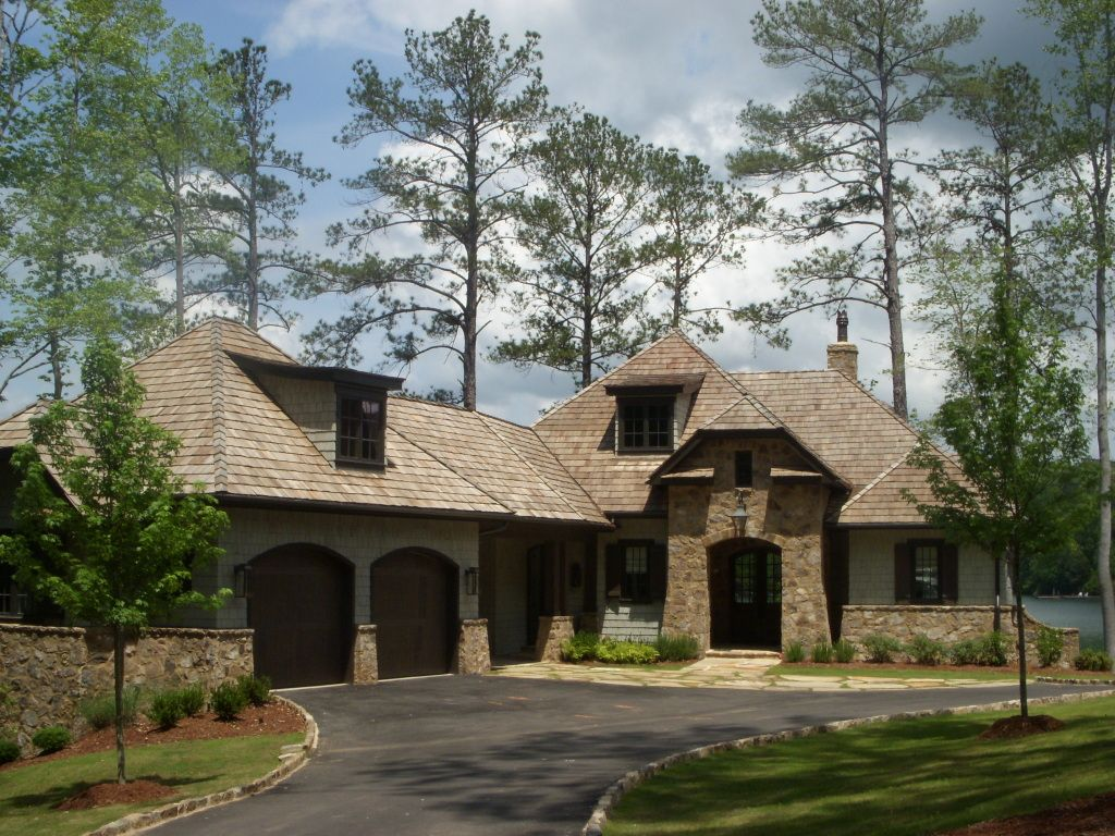 Lake martin home designed by mitch ginn cedar shakes for Stone and cedar homes