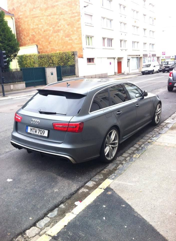 Audi RS6 Avant C7 spotted in Boulogne