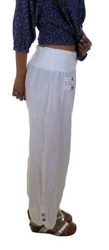 Damenhose Leinen Haremshose 7/8 Lagenlook  Grösse: M/L  bitte unbedingt die angebenen Maße mit den eigenen vergleichen und beachten das die Hose locker getragen werden soll!!!  Taille: ca. 74 cm / 29,13 Hüftumfang: ca 106 cm / 41,73 Oberschenkelumfang: ca. 62 cm / 24,41 Saumweite: ca. 46 cm / 18,11 Schrittlänge: ca 68 cm / 26,77 Länge: ca. 94 cm / 37,01  Material: ganz leichtes Sommerleinen.....wenn Sie das Problem haben sich die Schenkel aufzureiben...lieber vom Kauf absehen!! Vintageoptik