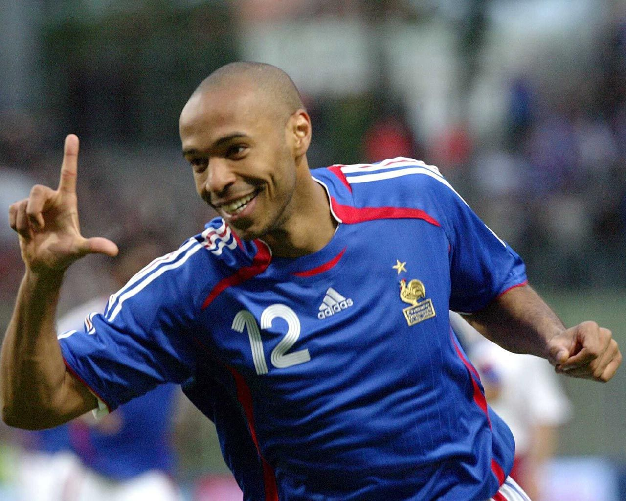 Thierry Henry (Francia) | Best football players, Soccer time, Sport soccer