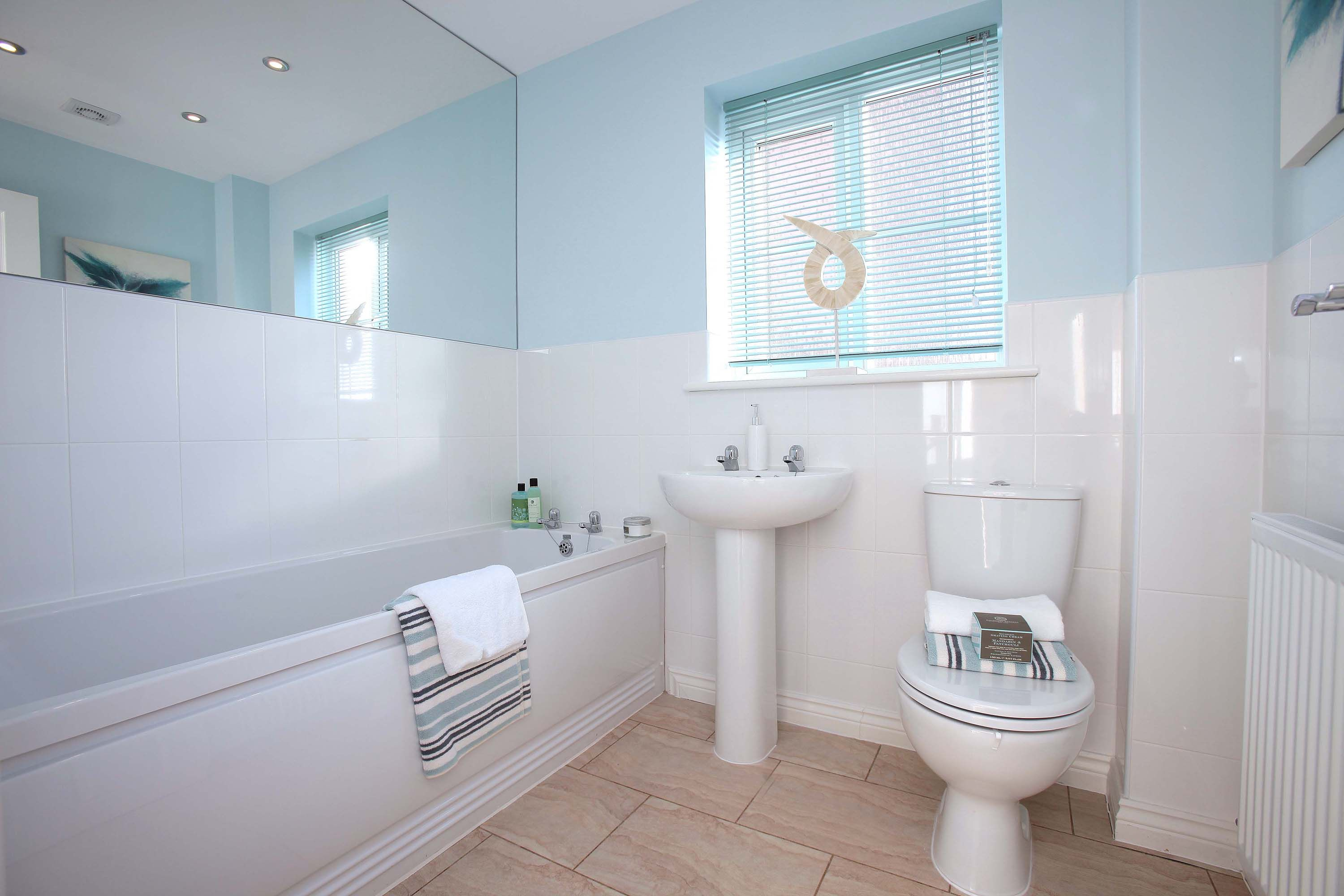 Pale blue bathroom - For A Natural Understated Nautical Look In Your Bathroom Choose A Palette Of Pale