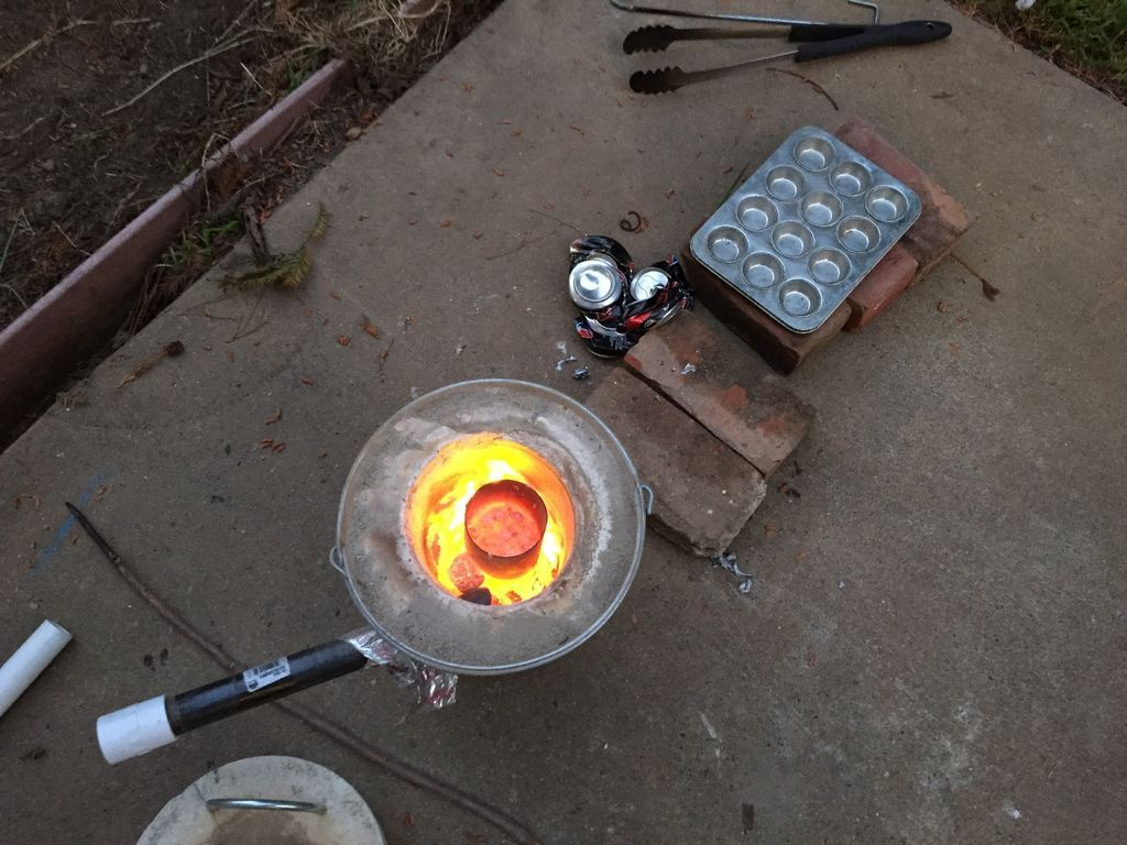how to make the mini metal foundry pictures of pop cans and for