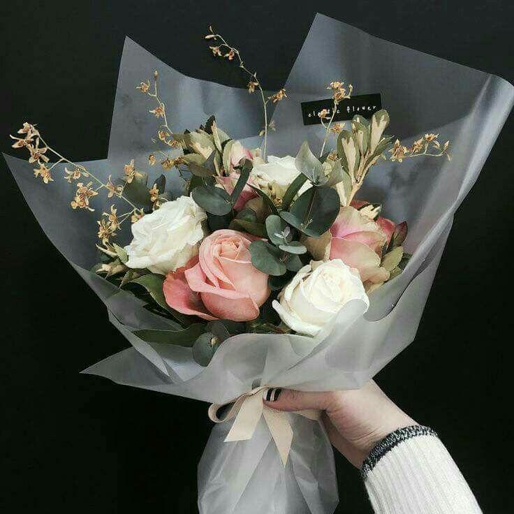 Pin By Aak Florist On Bouquet Ideas How To Wrap Flowers Flower Arrangements Rose Arrangements