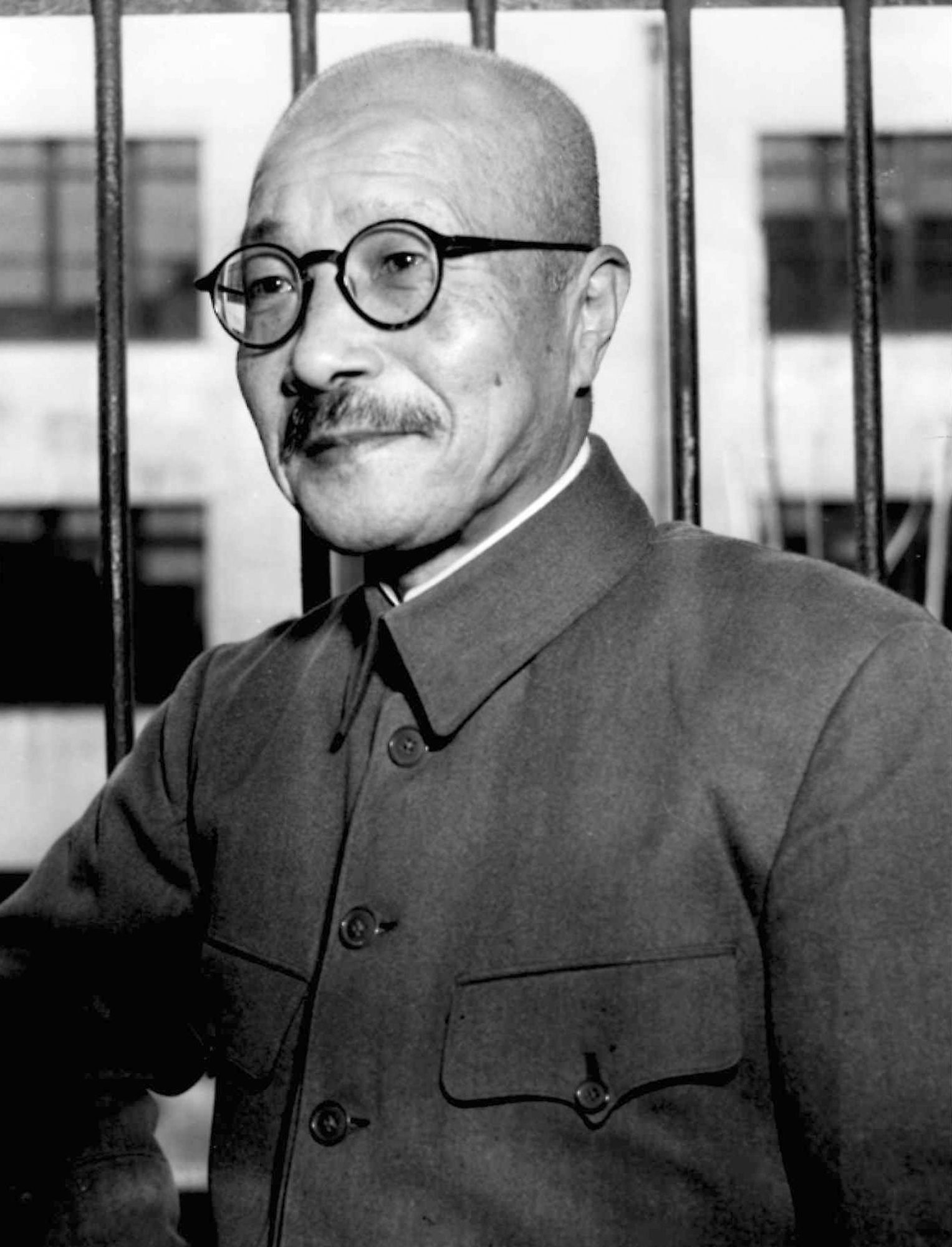 foto tomada en diciembre de 1947 al general hideki tojo primer ministro de jap n durante la. Black Bedroom Furniture Sets. Home Design Ideas