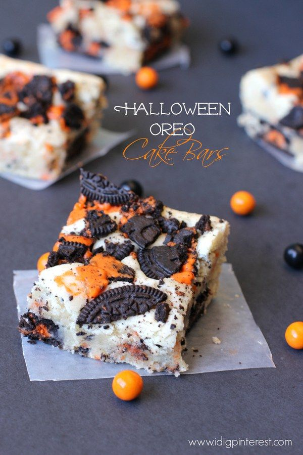Halloween Oreo Cake Bars #halloweenpotluckideas