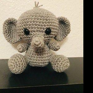 PATTERN: Ellis the Elephant - crochet elephant - amigurumi elephant pattern - English, German, Portu #crochetelephantpattern