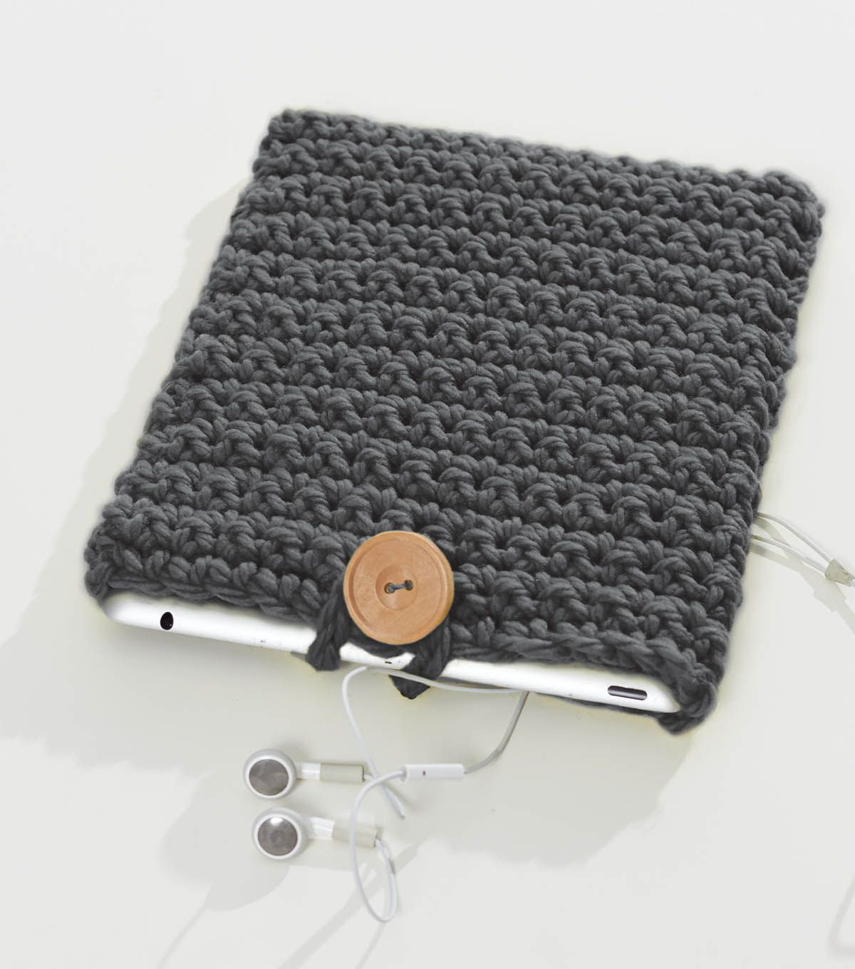 Make A Handmade Case For Your Tablet With This Free Crochet Icover