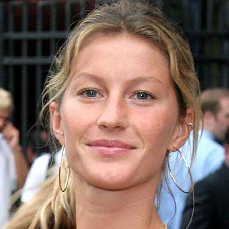 Gisele Bundchen without makeup for Photoshop... she looks like the girl next door. | Models without makeup, Celebs without makeup, Celebrity makeup