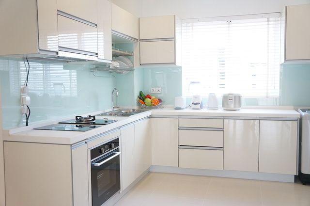 Pixta 13526816 S Jpg 640 425 L型キッチン キッチン リフォーム