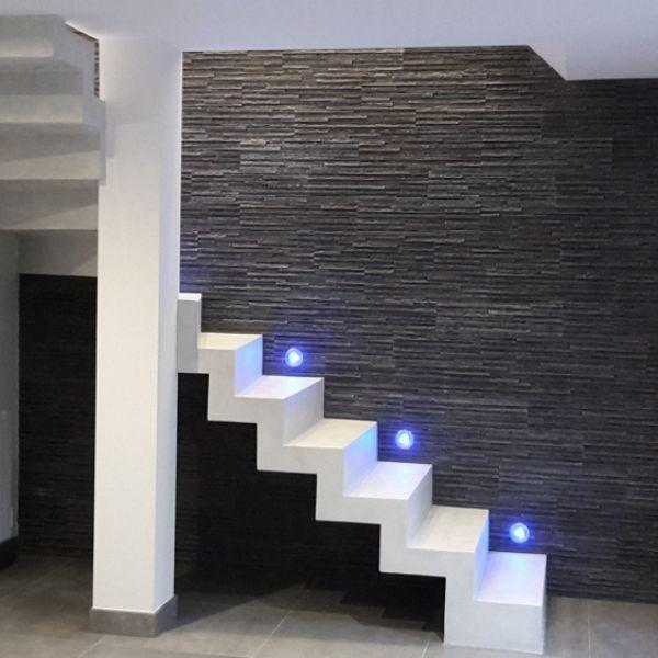 p>Escalier crémaillère en béton minéral \