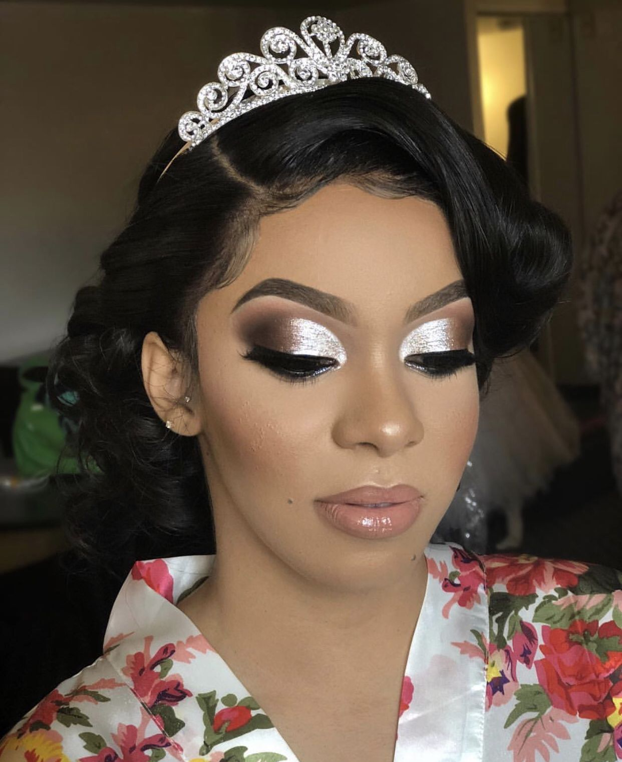 Pin by THE WAVE 🌊 on BEAUTY Photoshoot makeup, Black