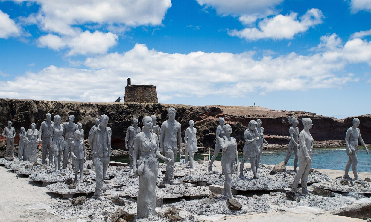 Dive Into Europes First Underwater Museum Museo Atlantico Off - Europes first ever underwater museum is full of hyperrealistic human sculptures