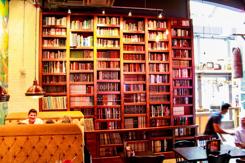 bookshelf at #restaurant la belle et le boeuf, ste-catherine street