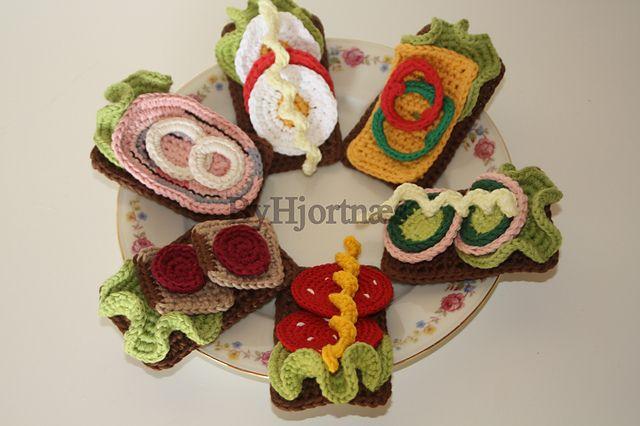 crochet play food pattern by penille hjortnaes h keln f r die kinderk che pinterest h keln. Black Bedroom Furniture Sets. Home Design Ideas