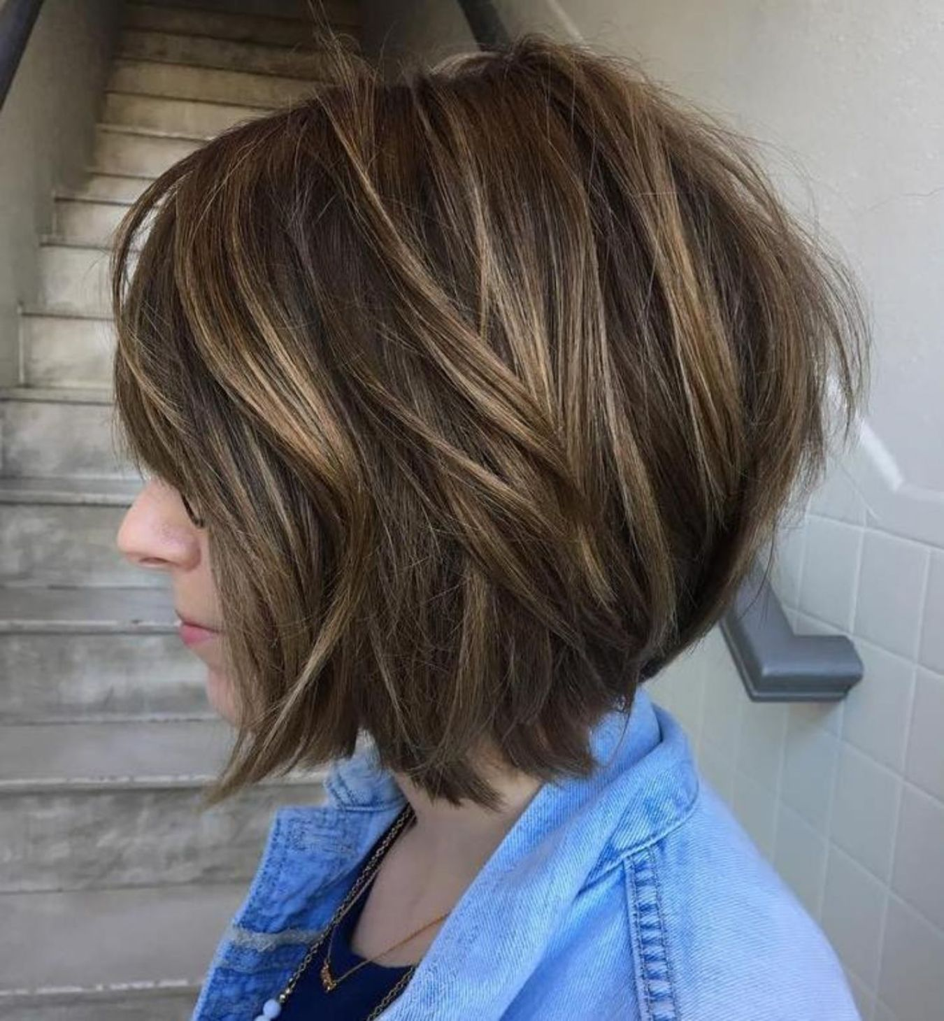 Disconnected Bob with Subtle Highlights | Short hair with layers, Thick hair styles, Layered hair