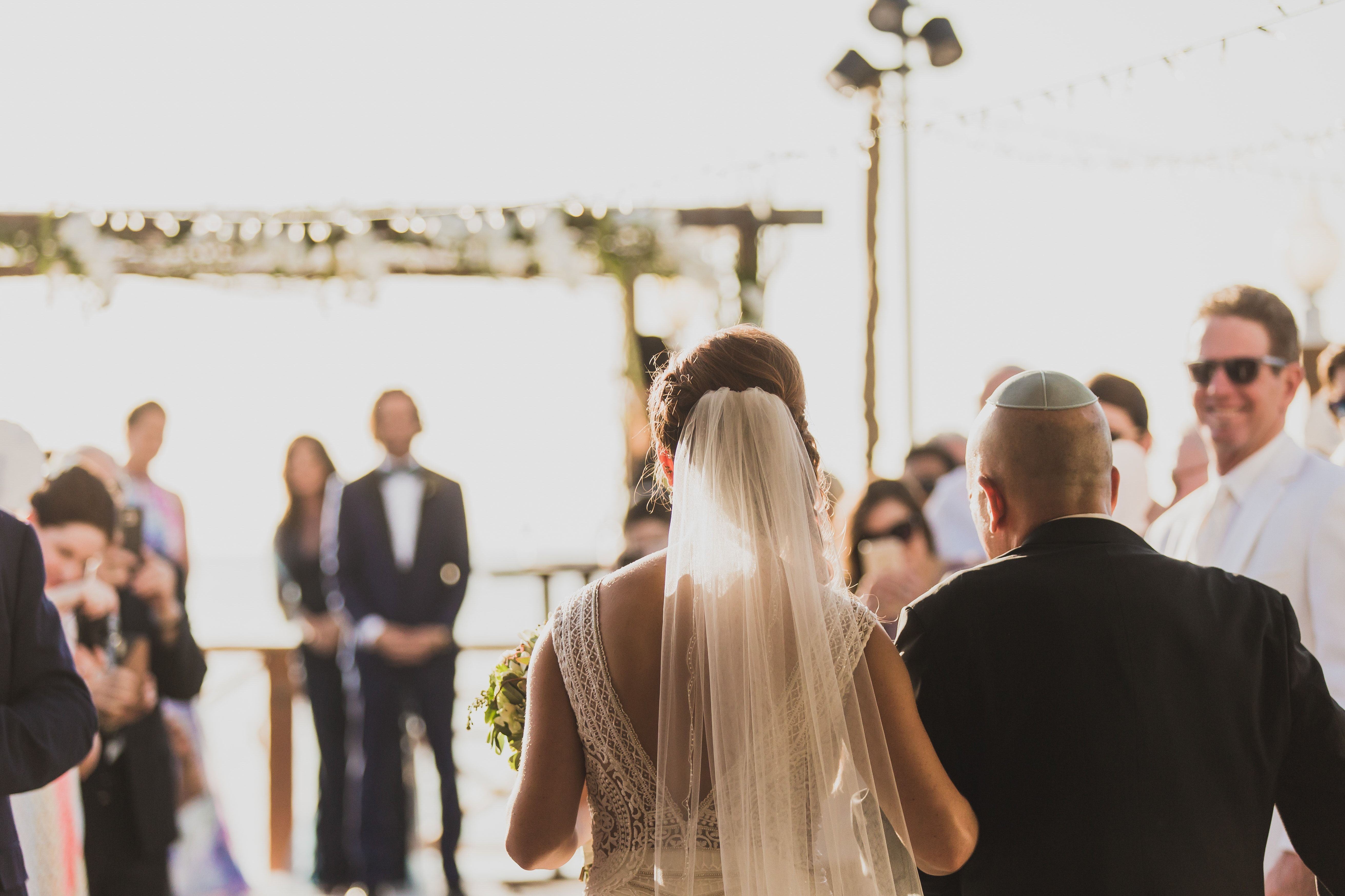 An Old Hollywood Style For This Cayman Islands Destination Wedding