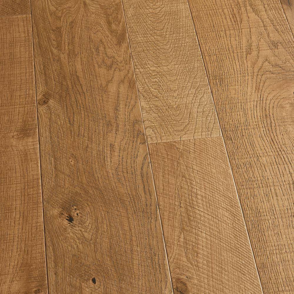 Malibu Wide Plank French Oak Half Moon 3 8 In T X 4 In And 6 In W X Varying L Engineered Click Hardwood Flooring 19 84 Sq Ft Case Hdmscl384ef The Home In