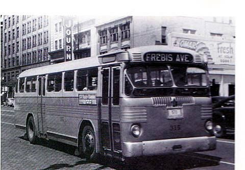 Frebis Ave Bus Circa 1950 On Broad Street The Frebis Avenue Route Was Created On October 30 1938 Replacing The Old Stee Kent Ohio Columbus Ohio Ohio Buckeyes