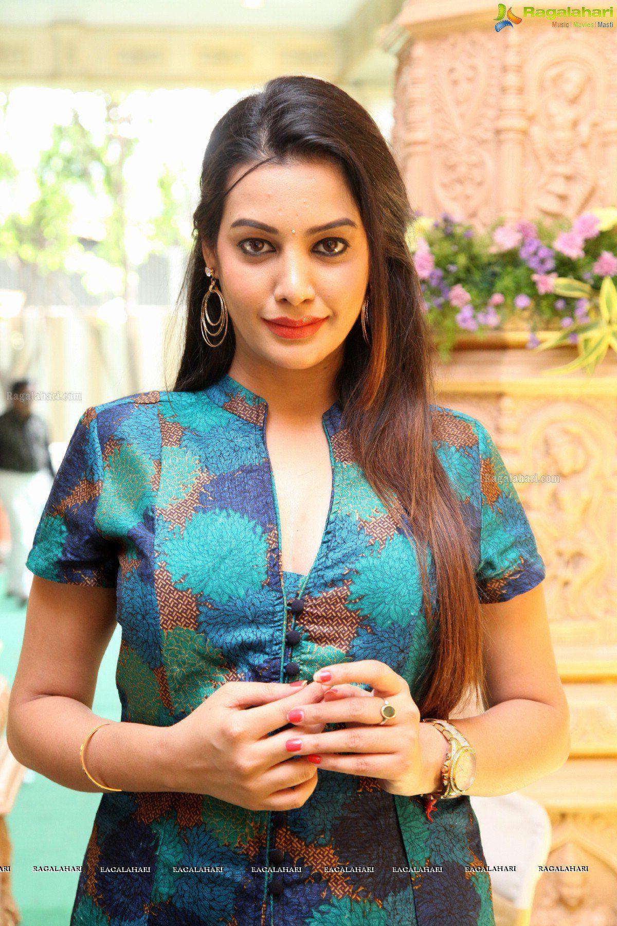 Bigg Boss Telugu Season 1 Participant Diksha Panth Photos