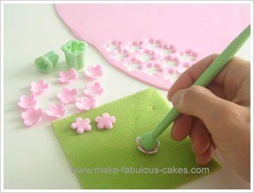 Erster Geburtstagskuchen für ein Mädchen   - cakes and cake decorating - -