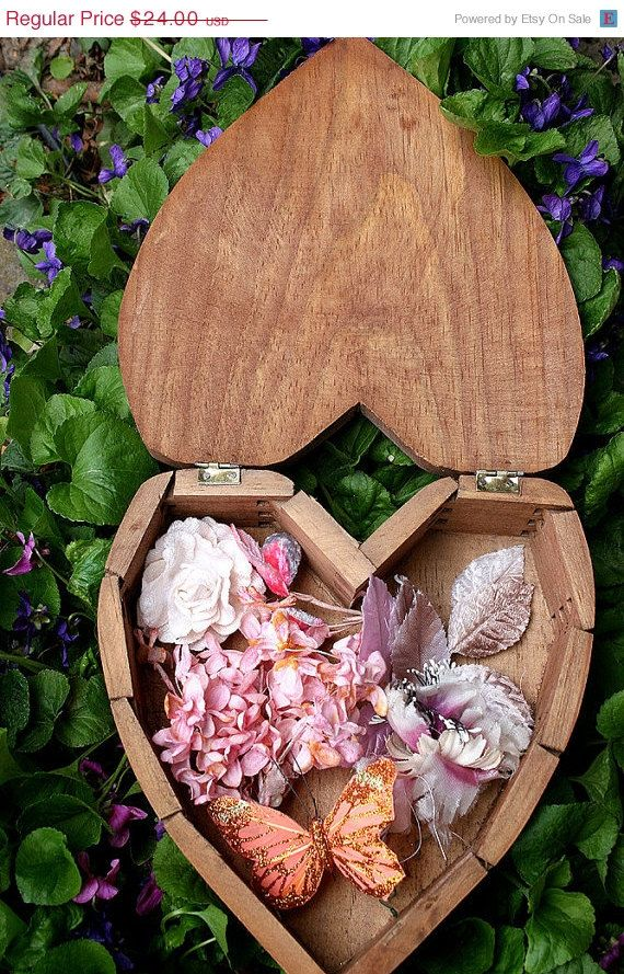 SALE Vintage Wood Dovetail Heart Box w/ by ASoulfulJourney on Etsy, $19.20