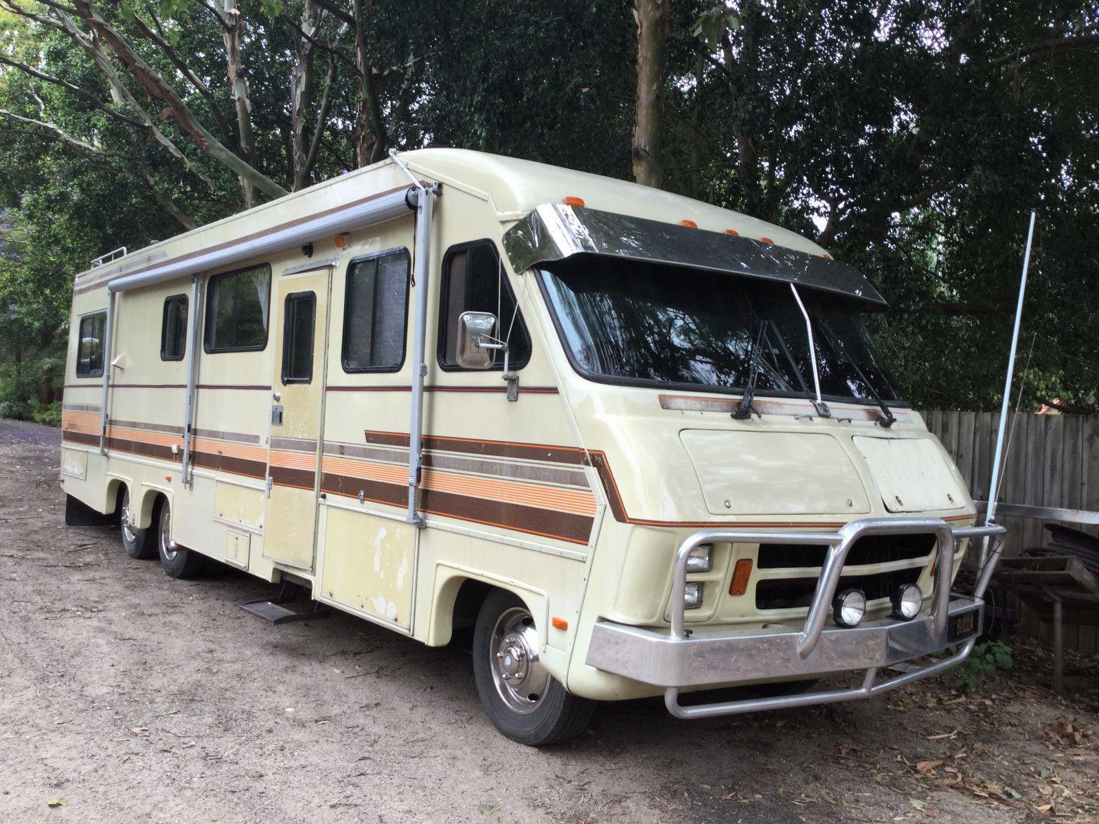 1988 Chevrolet Komfort Bus Motorhome RV Camper Van | Joan's Planner