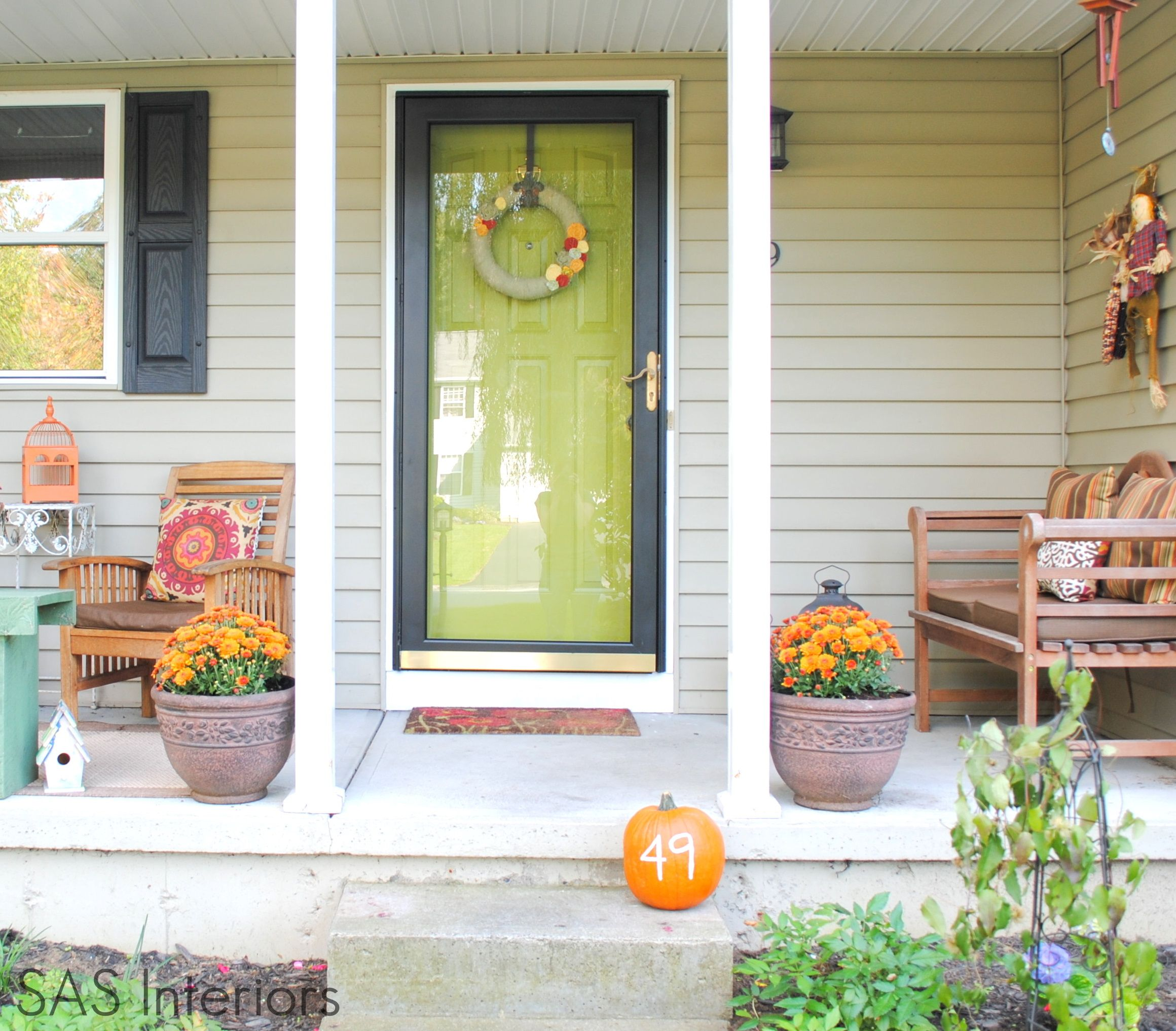 Hello Color We Love How The Dark Larson Storm Door Frames The