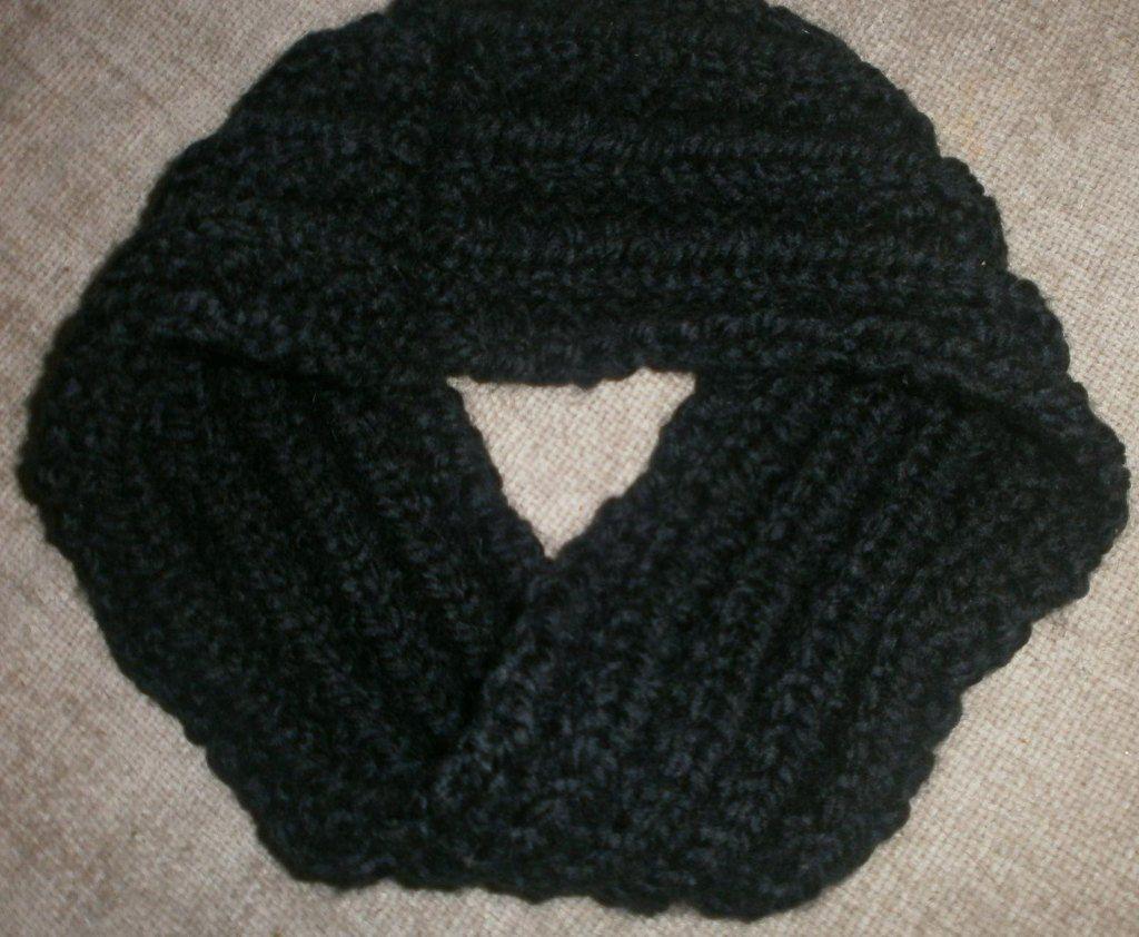 German Rib Infinity Scarf   Infinity scarf knitting pattern, Crochet ...