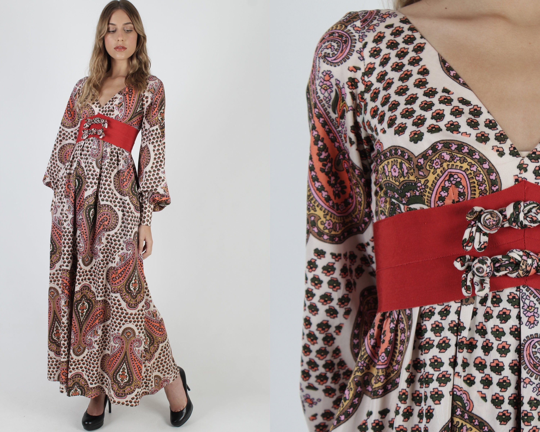 Lillie Rubin Asian Maxi Dress Psychedelic Paisley Maxi Dress Vintage 70s Ivory Floral Long Dress Paisley Maxi Dress Vintage Maxi Dress Bright Floral Dress [ 2400 x 3000 Pixel ]