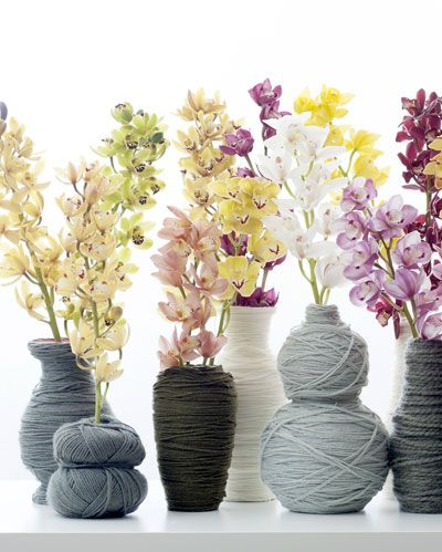 Haben Sie Schwierigkeiten beim wegwerfen? Dies ist die Lösung für alte Vasen wieder Trending zu machen! #Wolle #Vasen #Orchideen