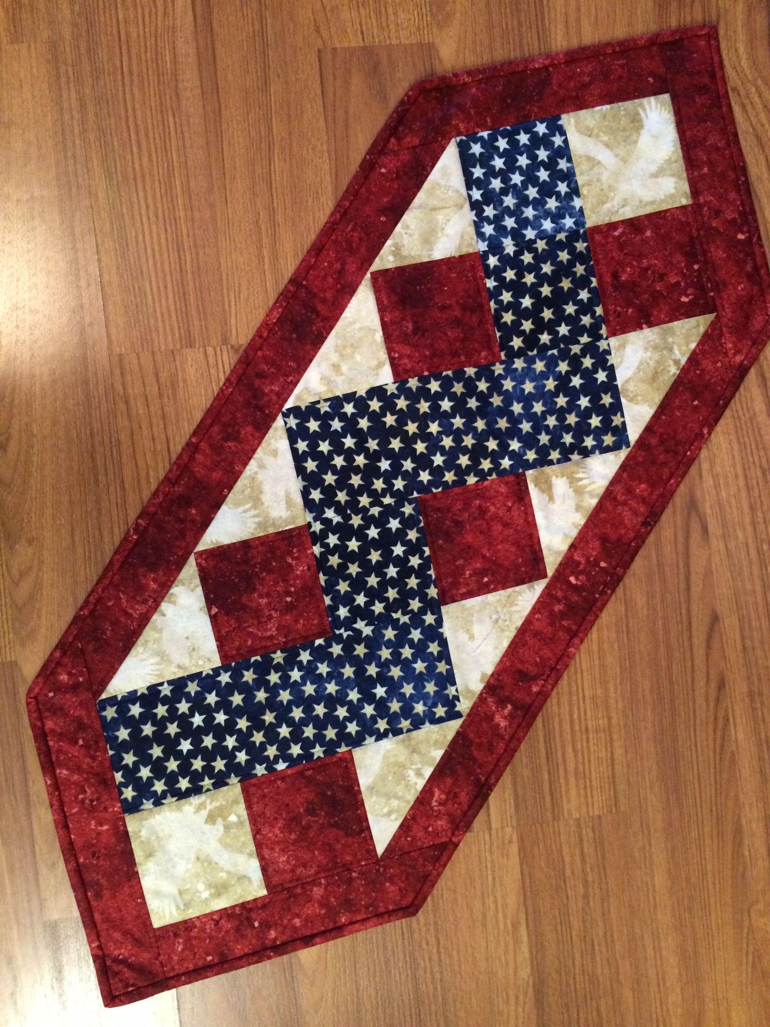 Patriotic table runner stonehenge 2015 donna for Table runner quilt design