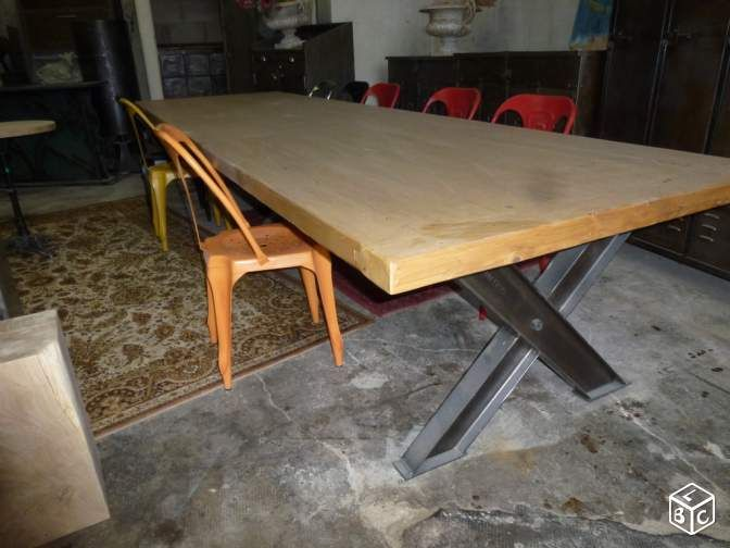 Grande table industrielle de m en fer et bois tables