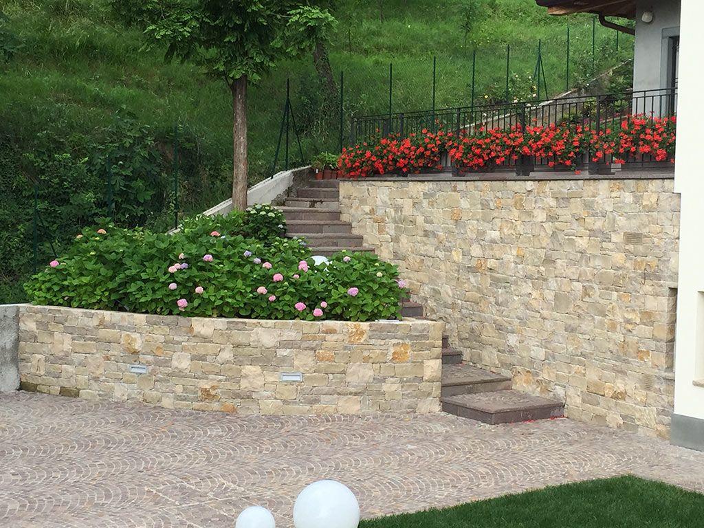Muretti Da Giardino In Mattoni : Muretto giardino muretto tris la casa del giardino snc di