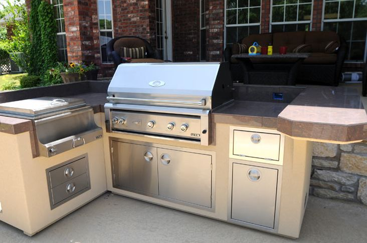 When Picking Outdoor Kitchen Materials Countertops Siding Doors Make Sure To Pick Things Like Concrete Natural Stone Or Stainless Steel To Get The Most